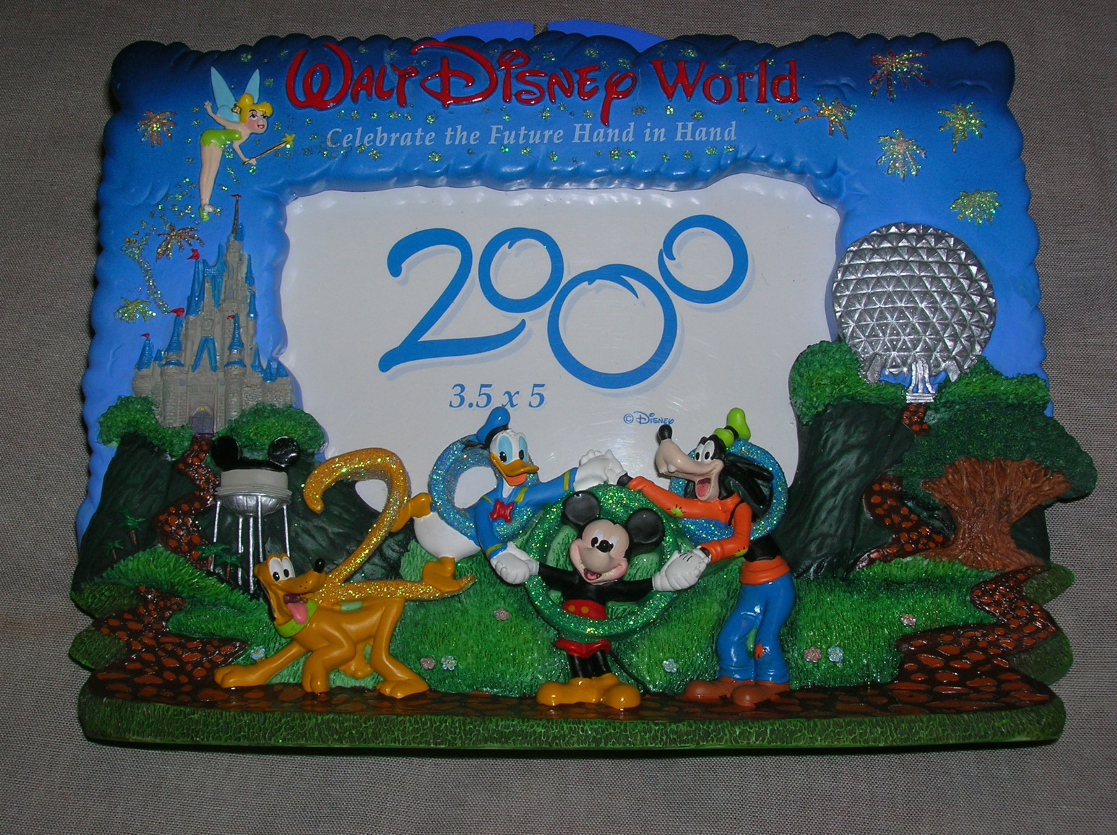 New Walt Disney World 2000 Picture Frame Serendipitys Collectible